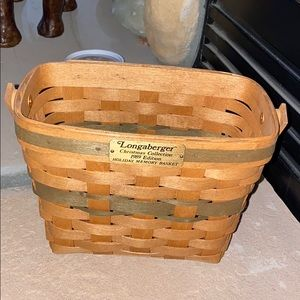 1989 Christmas Collection Holiday Memory Basket
